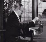 <p>Cor de Groot&nbsp;(1914-1993) in het Singer Museum te Laren (NH) - Foto: Dolf Hoving</p>